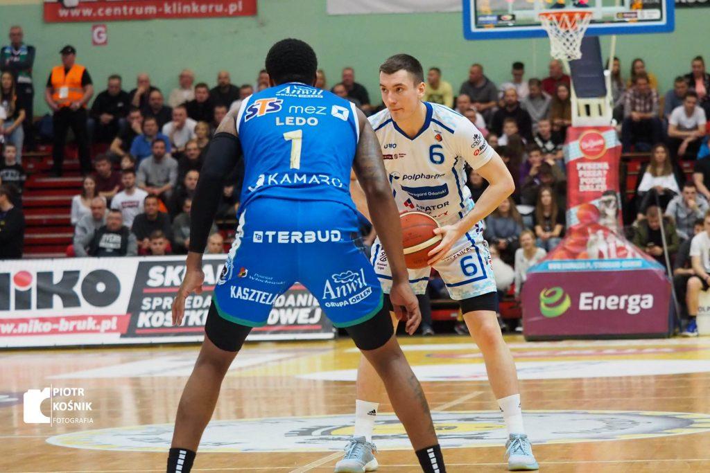 Ricky Ledo vs. Daniel Gołębiowski (Polpharma Starogard Gdański - Anwil Włocławek).