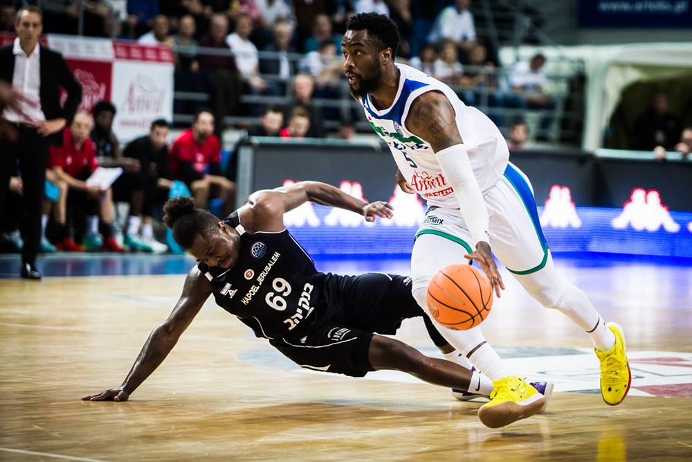 J'Covan Brown iTony Wroten (Anwil Włocławek vs. Hapoel Jerozolima) / Liga Mistrzów / Basketball Champions League